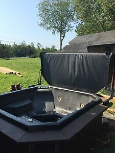 4 person Hot tub for sale for parts or repair