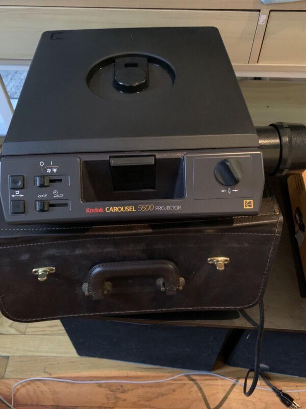 Kodak carousel Slide projector 5600