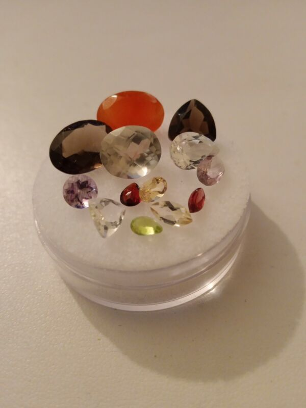 Mixed Gemstone Parcel. Mixed size and cut.  25.12cts