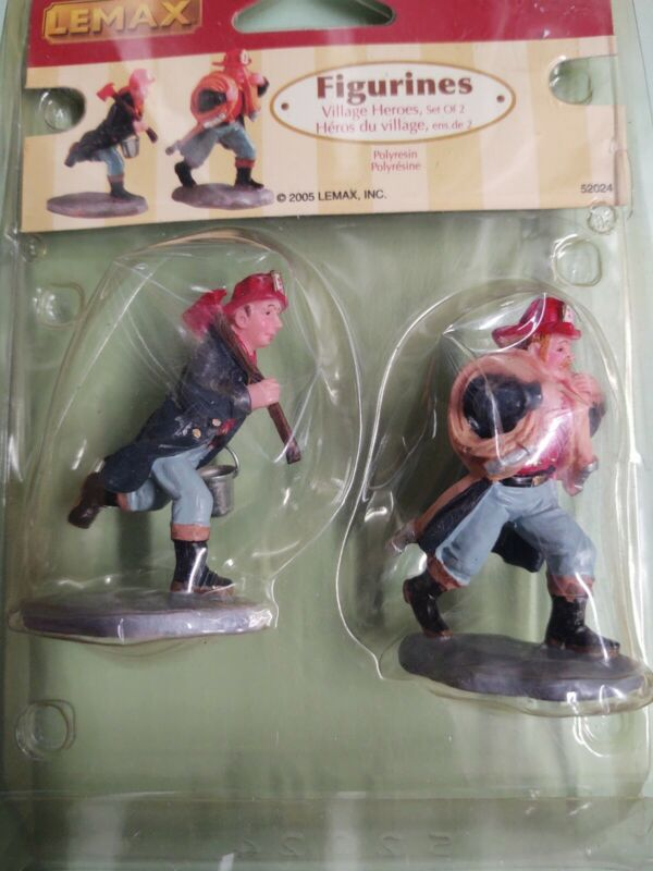 Remax Figurines Village Heroes Set Of Two