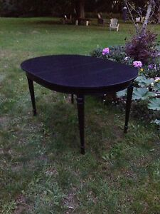Black Oval Table with Two Leaves