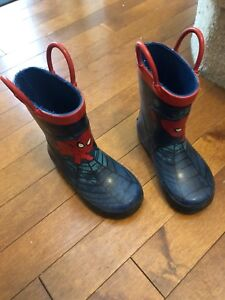 Size 7 toddler rain boots