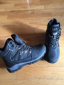 Bum Thinsolate Men's size 8 Winter boots BRAND NEW