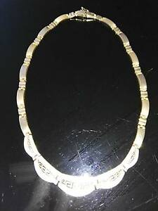 Versace 14 k gold necklace 27.5 g Hamilton Hill Cockburn Area Preview
