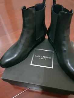 Saint Laurent Paris Chelsea Boots