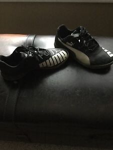 Puma indoor soccer shoes size 5