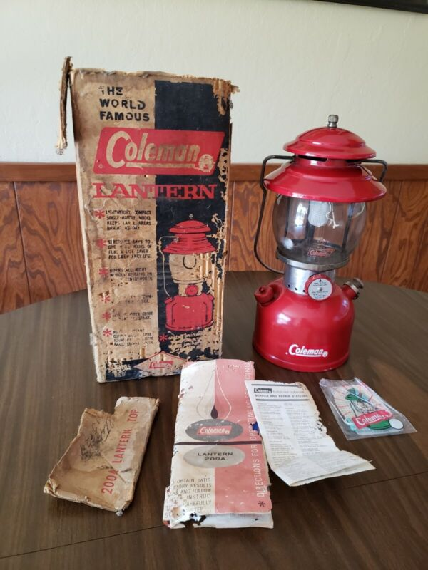 Vintage 1963 Red Coleman 200A Single Mantle Gas Camping Lantern 10 63 w/Box