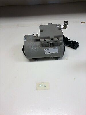 Thomas Vacuum Pump Model 617ca32 Motor No M600164c Fast Shipping