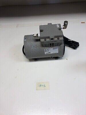 Thomas Vacuum Pump Model 617ca32 Motor No M600164c Fast Shipping