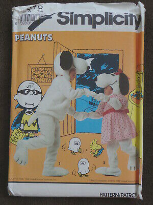SIMPLICITY SEWING  PATTERN 7516 CHILD 3 - 8 PEANUTS SNOOPY & BELLE PLUSH UNCUT](Snoopy Costume Pattern)