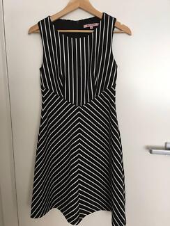 Review Karlie Dress Size 6