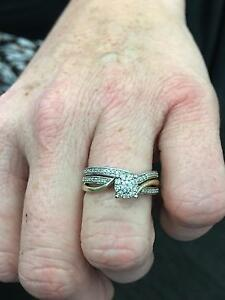 10ct white and yellow gold diamond ring.  30 points of diamond. Petrie Pine Rivers Area Preview