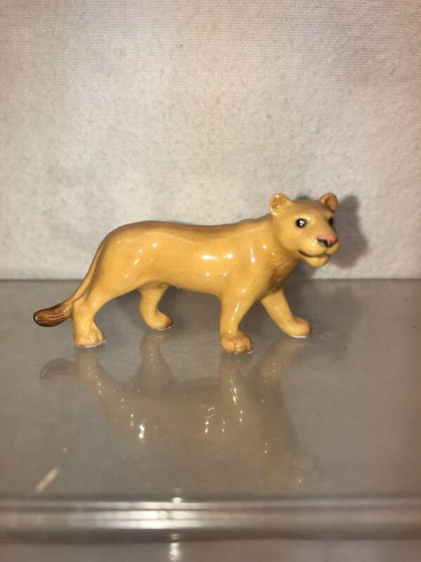 Vtg Hagen Renacker Miniature Female Lion Lioness Wild Animal Big Cat figurine