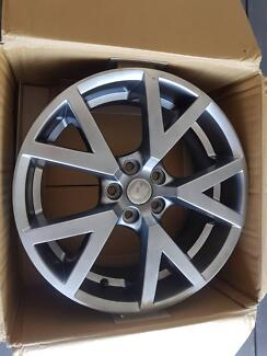 Hsv gts wheels Wamberal Gosford Area Preview