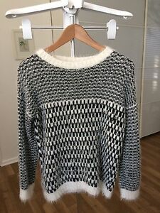 Black and white sweater, size M Mount Claremont Nedlands Area Preview