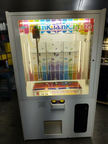DUNK TANK PRIZE BY NAMCO PRIZE REDEMPTION ARCADE GAME