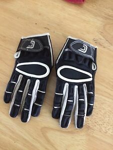 Youth lg football gloves