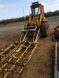 MF 11 wheel loader Virginia Playford Area Preview