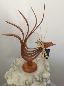 Sculpture de frêne «Coq Cluche»