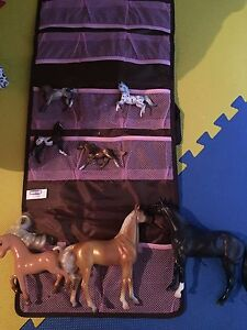 Breyer horse set with carrying bag