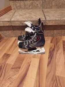 Bauer Vapor X Velocity Youth size 1.5