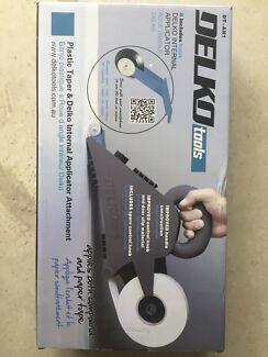 Delko plastic taper and internal applicator