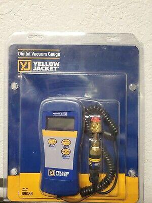 Vacuum Gauge Digital Yellow Jacket Model 69086 With Case  D 106