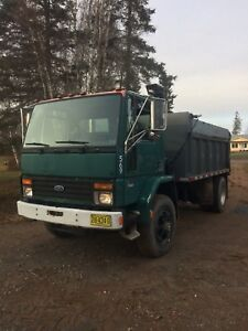 1995 Ford s/a dump truck