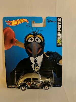 Hot Wheels 2014 Pop Culture Diecast Car Gonzo Muppets sealed