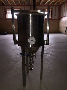 7.5 gallon stainless steel conical fermenter