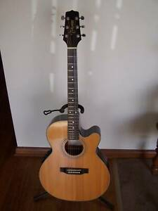 TAKAMINE EG540c Acoustic / electric guitar