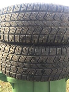 255/70/18 inch Winter Tires / TONS OF TREAD