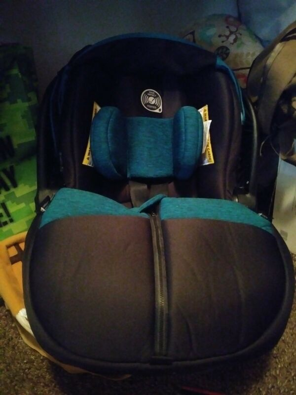 Infant Car Seat Evenflo Advanced Embrace DLX Largo With Sensor Safe