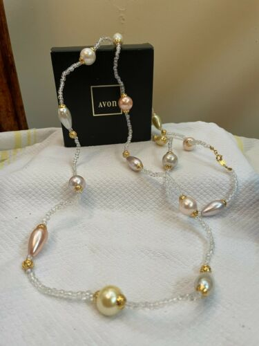 Avon Vintage 1994 Pearly Pastel Necklace - 56in
