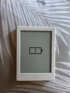 "Kindle touch 6"" WiFi, white, E-reader as new"