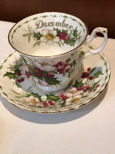 Royal Albert Bone China DECEMBER Christmas Rose Tea Cup & Saucer    S243