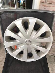 Enjoliveur Nissan hubcap