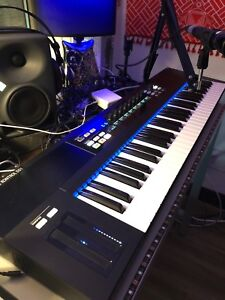 Native Instruments S61 controller Keyboard