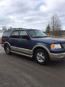 2006 Ford Expedition SUV,  7 passenger 4x4