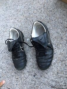 Nike Tempo Cleats Size 8.5