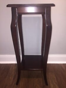 Bombay Summerville Plant Stand/End Table