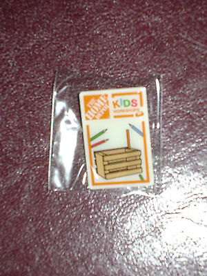 NEW HOME DEPOT KIDS WORKSHOP MINI CRATE PENCIL HOLDER PIN COLLECTIBLE RARE