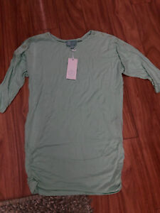 New with Tags Liz Lange Maternity/Nursing Top