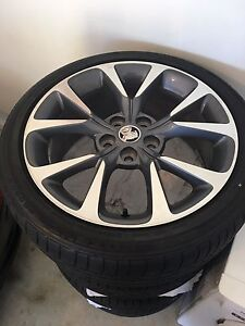 """2015 19"""" VF SSV sedan / ute genuine wheels & tyres Redcliffe Redcliffe Area Preview"""