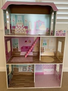 Doll House to suit Barbie