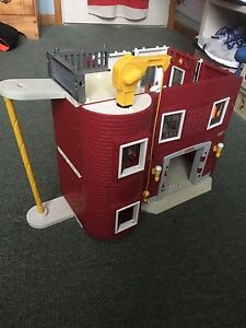 Fisher price build your own fire house
