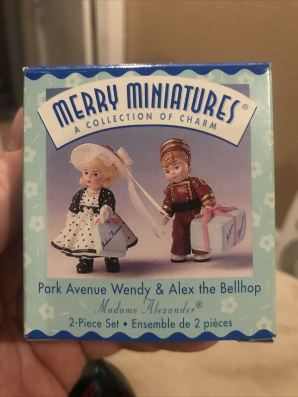 HALLMARK Merry Miniatures 1999 PARK AVENUE WENDY & ALEX THE BELLHOP 25Year Anniv
