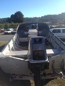 BOAT 15 FT ALUMINIUN  WITH CENTER CONSOL Devonport Devonport Area Preview