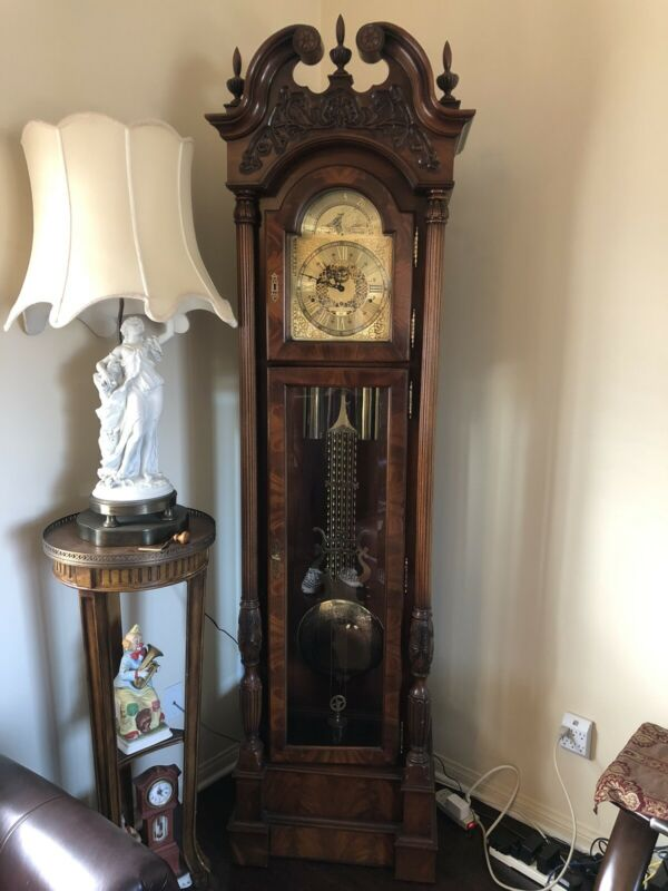 Howard Miller 610-289 Limited Edition - Cable Driven Triple Chime Clock