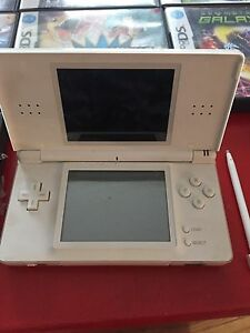 Working DS lite with games and accessories